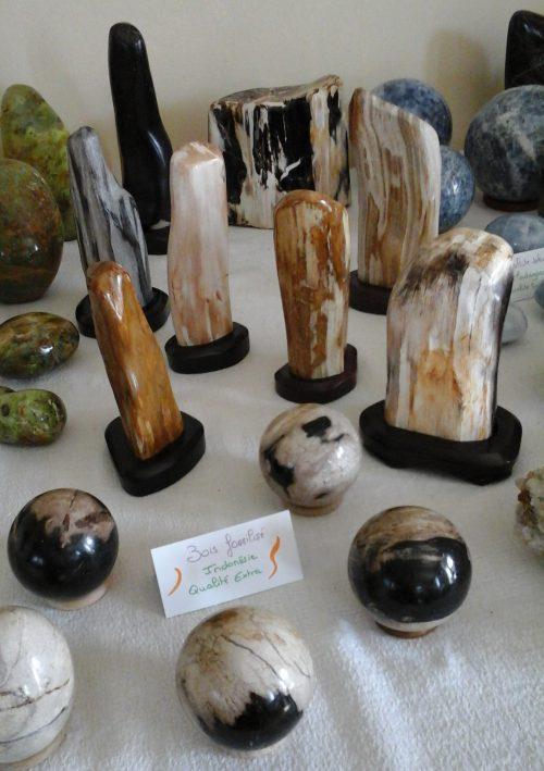 bois fossilisé cristaux pierres lâcher prise sophie martineau